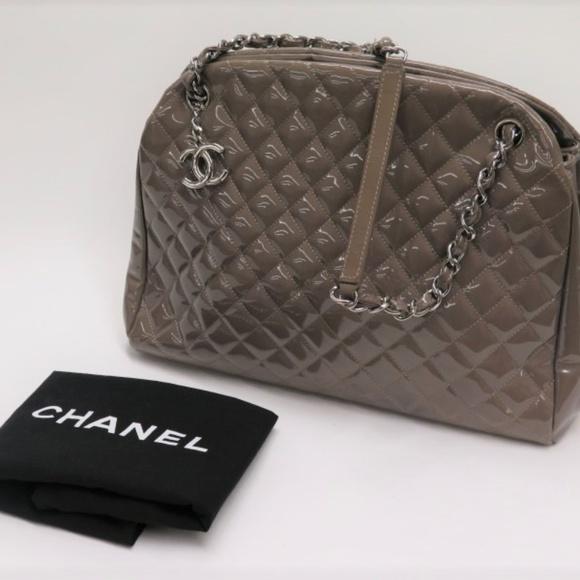 9945baf81dbec7 CHANEL Handbags - Chanel Just Mademoiselle Large Bowling Bag